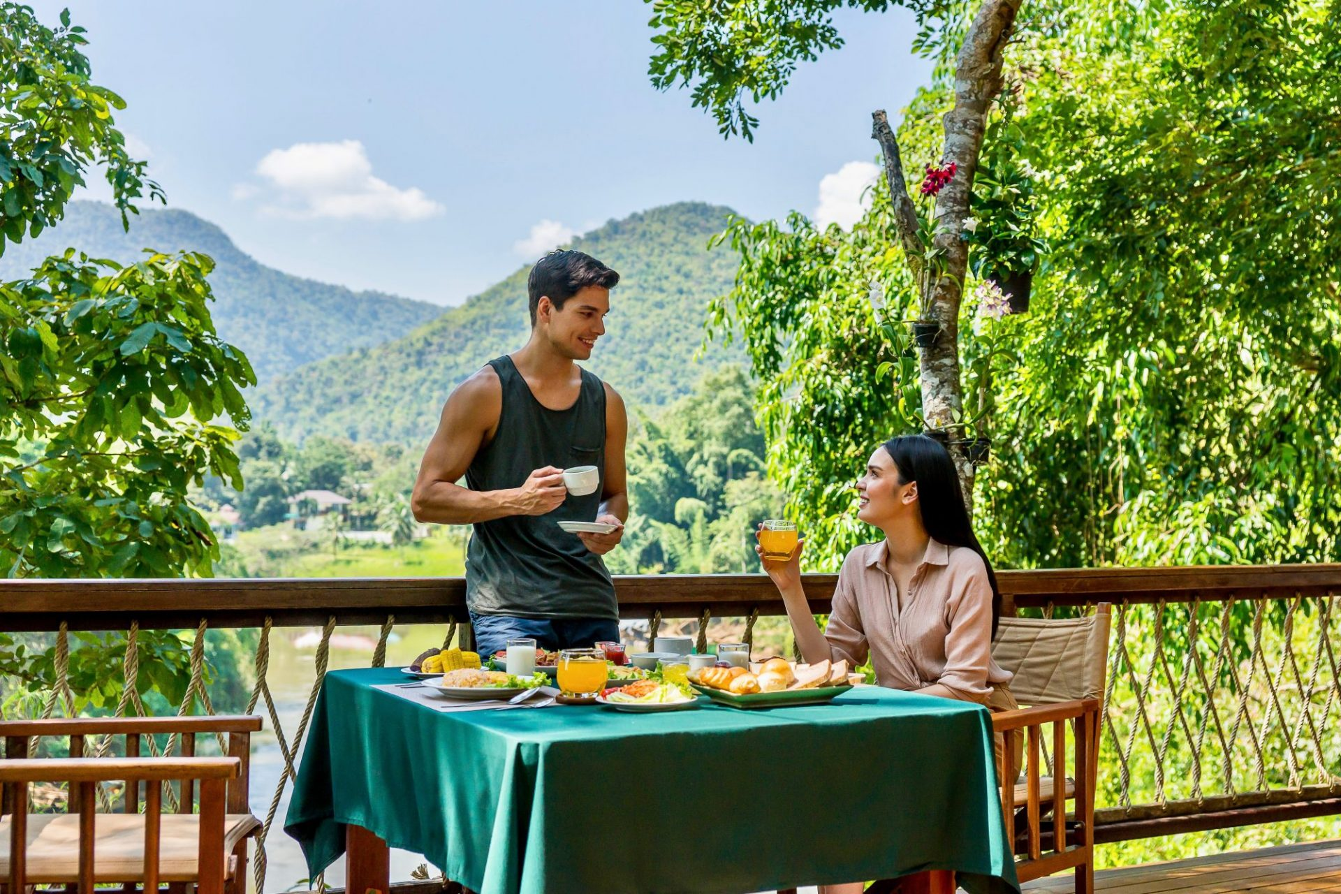Hintok dining food restaurant River Kwai